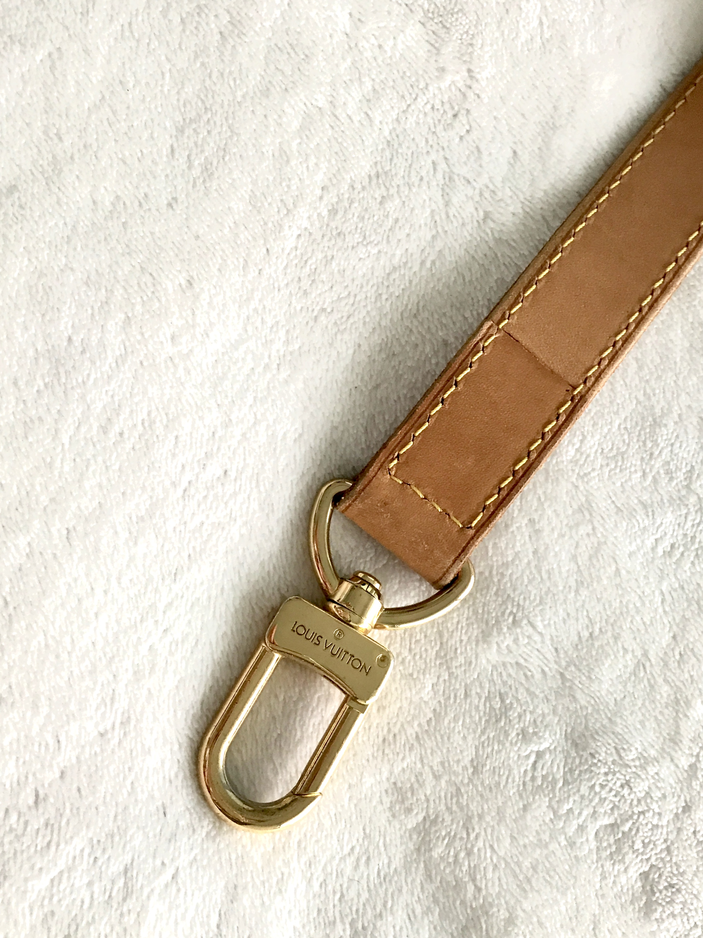 9dacd49df913 Louis Vuitton Adjustable Leather Shoulder Strap for Keepall ...