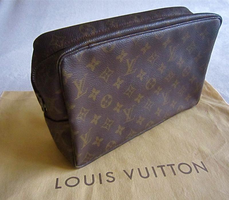 c3479ccd9ab5 Vintage Louis Vuitton Monogram Trousse 28 Cosmetic Pouch - Luxurylana  Boutique